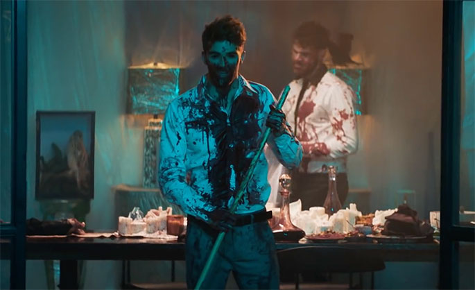 "The Chainsmokers lança clipe sinistro para ""You Owe Me"""