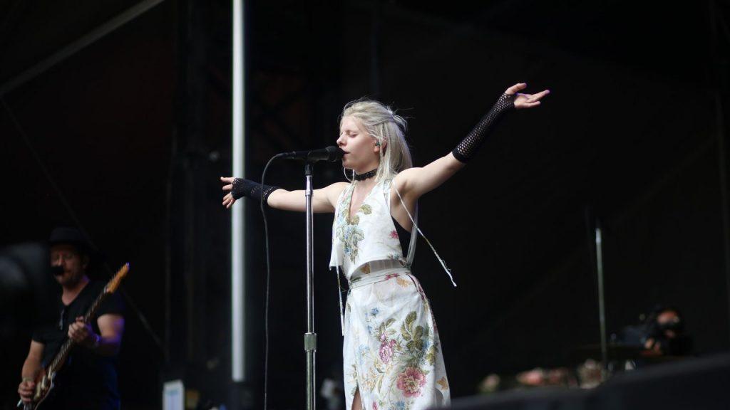 AURORA assume line-up do Lollapalooza 2018