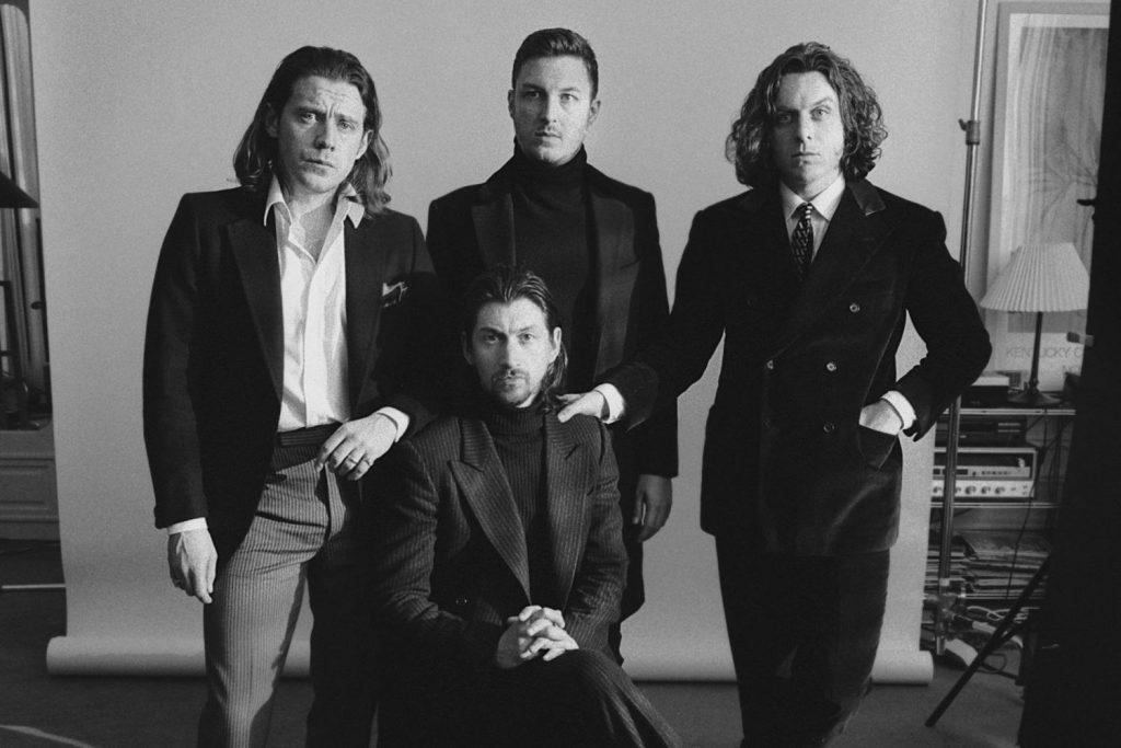 Arctic Monkeys divulga nome, capa, tracklist e data de lançamento do novo álbum