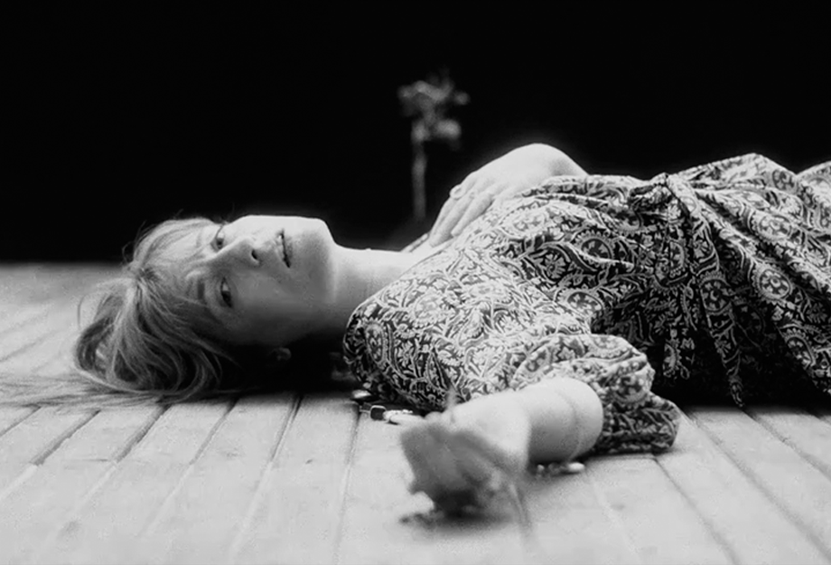 """""""Sky Full of Song"""": Florence + The Machine retorna com canção linear"""