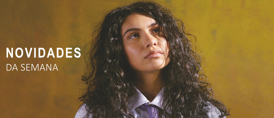 Alessia Cara mostra 'The Pains of Growing'